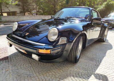 Porsche 930.